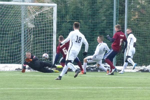 Gól Ľuba Ulricha na 1:0 v priateľskom zápase MFK Skalica - FC Rohožník.