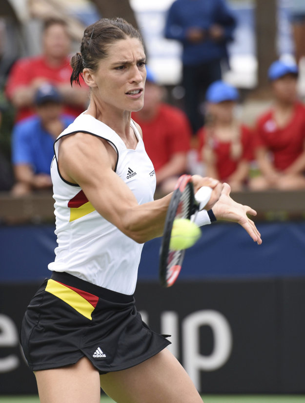 Andrea Petkovičová priznala, že počas hymny uvažovala, že z kurtu odíde.