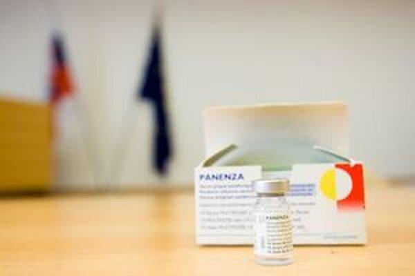 Väčšina Slovákov vakcínu zatiaľ nevyužila.
