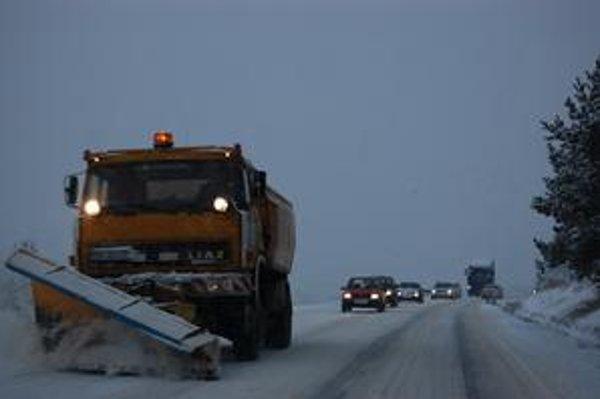 Cestári  na východnom Slovensku sú odvčera v pohotovosti.