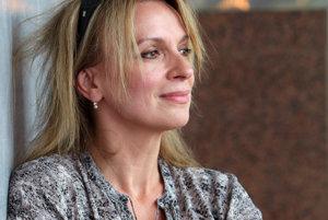 Ivana Chýlková (na snímke) sa spolu s Evou Holubou predstaví v Prievidzi v hre Klára a Bára.