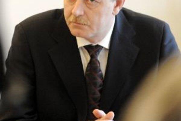 Minister životného prostredia Ján Chrbet.