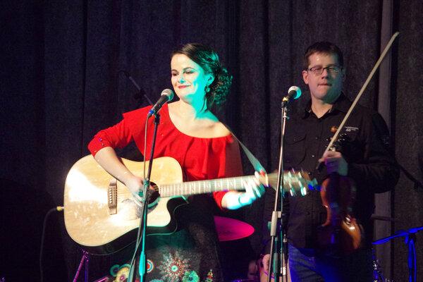 Luckine piesne zahriali počas mrazivého večera nejedno srdce. Na koncert v Považskej Bystrici prišlo veľa priateľov, známych, kamarátov, rodina.