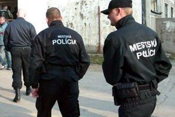 Vo všeobecnosti prievidzskí mestskí policajti zaznamenávajú menej volaní ako v minulosti.
