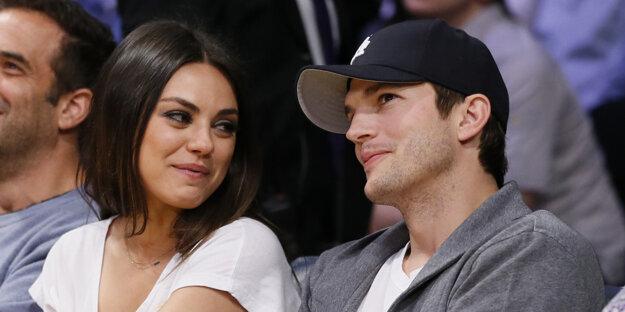 Mila Kunis a Ashton Kutcher.