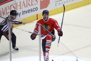 19. februára 2017. Richard Pánik oslavuje svoj gól v zápase hokejovej NHL Chicago Black Hawks - Edmonton Oilers.