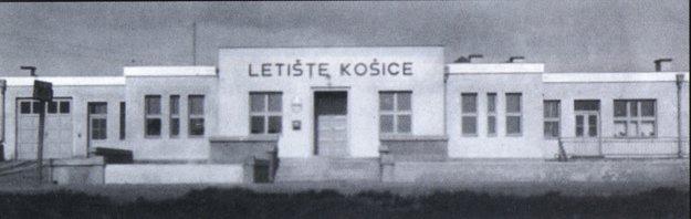 Budova Československých státních aerolínií v Barci.