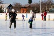 Občania mesta majú poslednú možnosť vytiahnuť si korčule.
