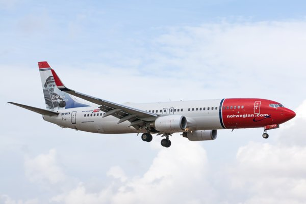 Norwegian Air Shuttle B737-800 LN-DYA