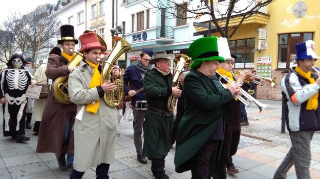 Muzikanti hrali tradičné ľudovky
