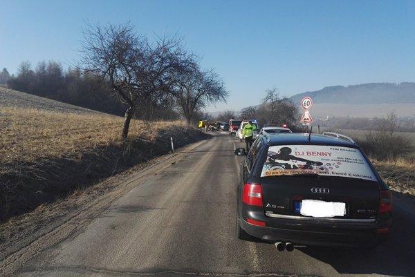 Miesto vážnej dopravnej nehody v Zbyňove.