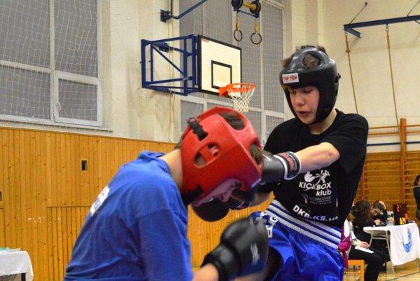 Ocenený bol aj kickboxer. Karel Svobodník (vpravo) je členom ŠKK Michalovce.