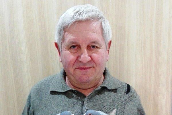 Zanietený chovateľ holubov Gabriel Dudáš.