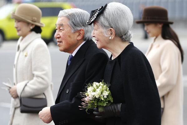 Cisár Akihito a cisárovná Mičiko strávia väčšinu týždňa vo Vietname.