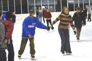 Na zimnom štadióne bude cez prázdniny viac hodín verejného korčuľovania.