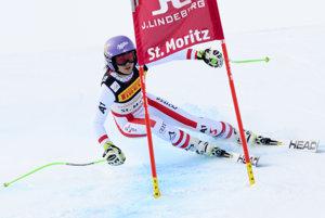 Rakúska zjazdárka Anna Veithová na trati preteku Super-G na Majstrovstvách sveta v alpskom lyžovaní vo švajčiarskom St. Moritzi.