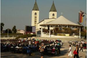 Svätá omša v Medžugorí.