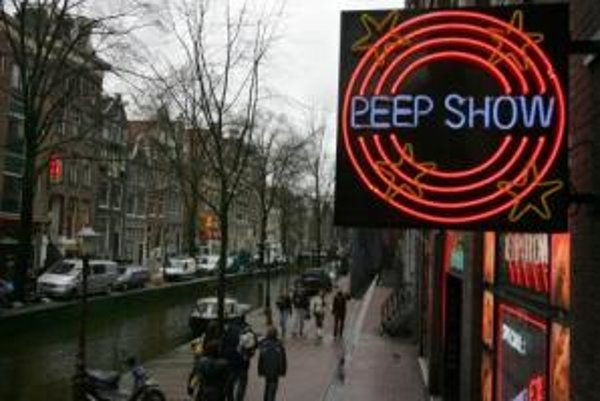 Niektorí Slováci a Slovenky už v Holandsku pracujú. Odteraz to bude možné aj bez pracovného povolenia. Ilustračný záber z Amsterdamu.