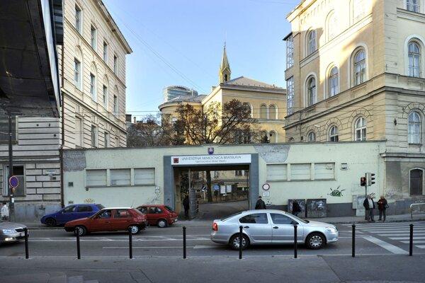 Na Mickiewiczovej ulici sa nachádza aj univerzitná nemocnica.