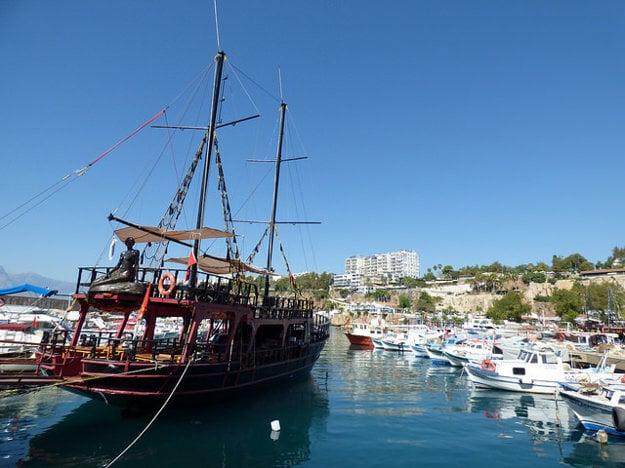 Výletná jachta v Antalyi.