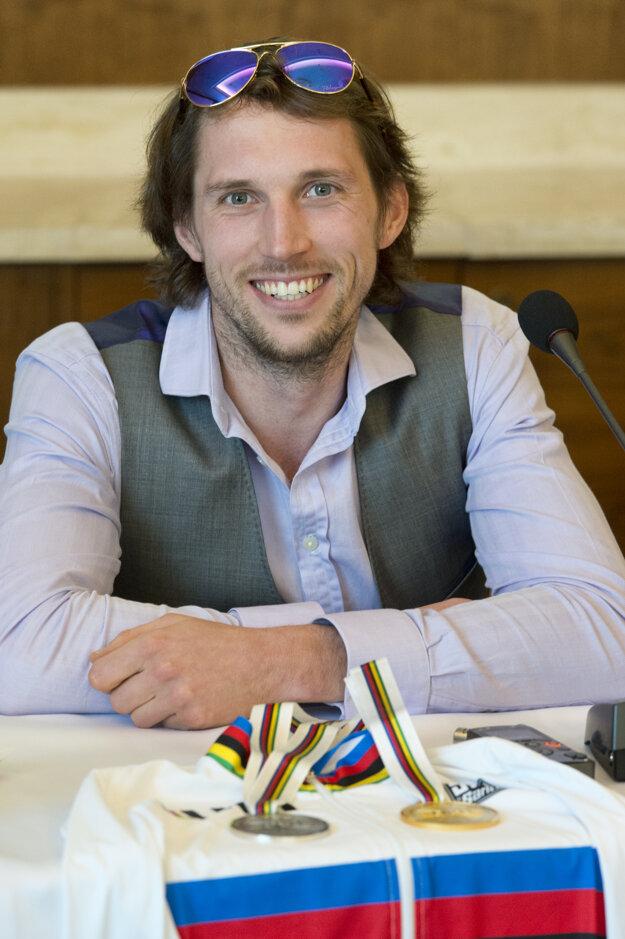 Jozef Metelka mal po návrate z Los Angeles výbornú náladu.