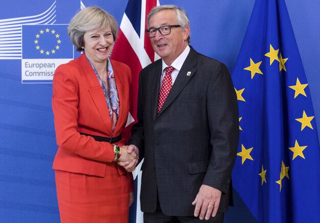 Za Britániu bude rokovať vláda pod vedením Theresy Mayovej, za Úniu Komisia Jeana-Clauda Junckera