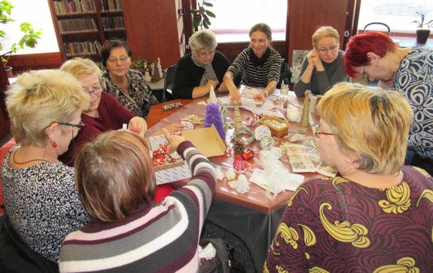Miesto stretnutia nielen na čítanie, ale i na rôzne aktivity.