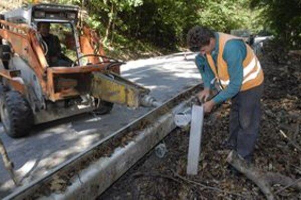 Rekonštrukcie sa dočká aj cesta vo Valaskej Belej.