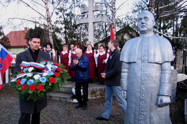 Spomienka na výročie vyhlásenia Slovenského štátu v Čakajovciach.
