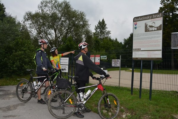 Cyklochodník teraz končí pri Budatínskom hrade. Bude pokračovať na Bytču.