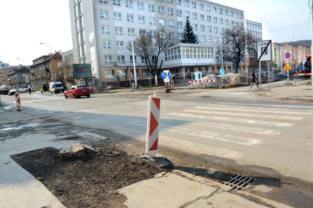 Križovatka Letná – Zimná – B. Němcovej. Počas tohto víkendu ju úplne uzatvoria.