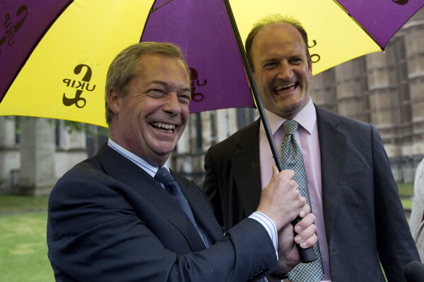 Nigel Farage (vľavo) a Douglas Carswell.