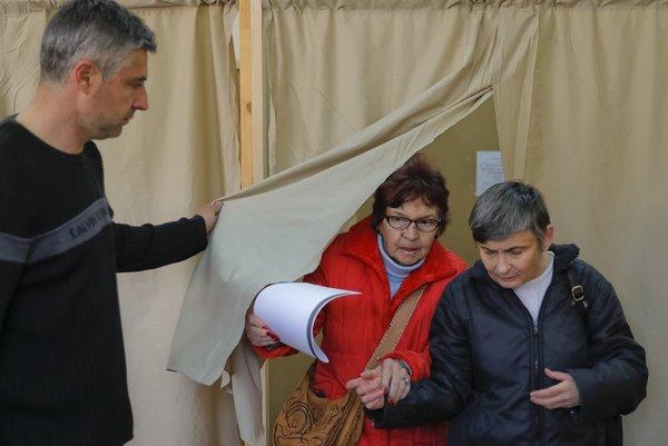 Bulhari rozhodujú v ďalších predčasných voľbách.