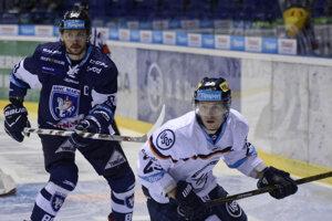Do poslednej minúty verili, že to zvládnu. R. Jenčík (vpravo) otváral skóre duelu.
