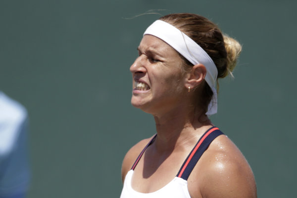 Slovenská tenistka Dominika Cibulková neuspela v 2. kole dvojhry na turnaji WTA v Madride.