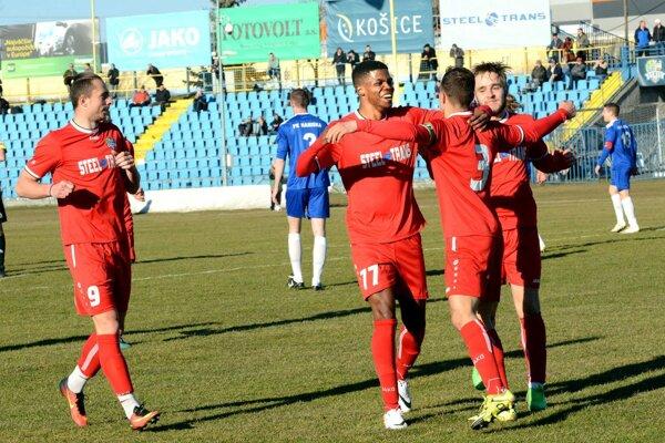 Do nadstavby si nesú dvanásťbodový náskok. Futbalisti FC VSS Košice sú najhorúcejšími kandidátmi na postup.