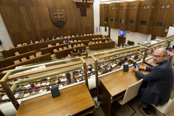 Líder SaS Richard Sulík po rokovaní poslaneckého grémia hovorí, že pri Mečiarových amnestiách to speje ku kompromisu.