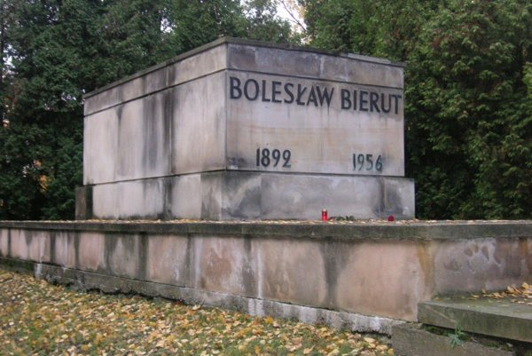 Pomník komunistického predáka Boleslawa Bieruta.