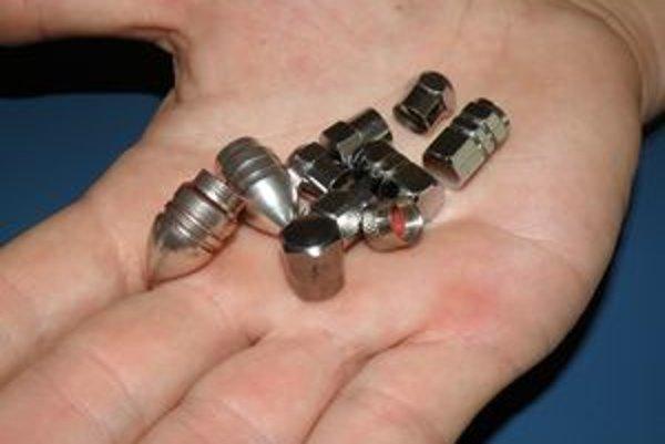 Deti dnes zbierajú ozdobné kryty ventiliek a medzi sebou si ich vymieňajú.