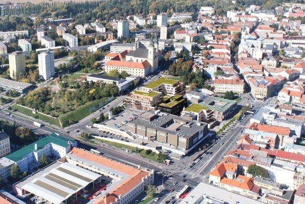 Nový Orbis (tri objekty so zelenou strechou) postavia medzi medzi Štefánikovou triedou a Piaristickou ulicou. Jeho susedmi budú Tesco a VÚB.