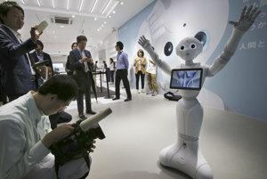 Roboty na ulici ešte dlho neuvidíte. Ich vplyv pri práci v kancelárii ale príde skôr a tvrdšie, ako si intuitívne myslíme.