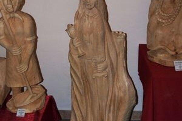 Patrónku baníkov do dreva zvečnil Milan Mičienka z Kolároviec.