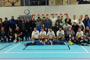 Úvodný ročník Futsal ligy pod Tatrami je za nami. Súťaž odštartovalo desať mužstiev, dokončilo ju deväť.