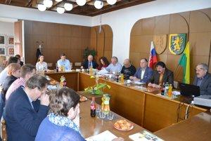 1. valné zhromaždenie OOCR sa konalo dnes na Mestskom úrade v Leviciach.