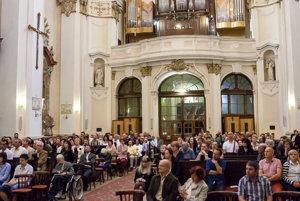 Festival sa koná v dvoch nitrianskych kostoloch – v piaristickom kostole sv. Ladislava a evanjelickom Kostole Svätého Ducha.