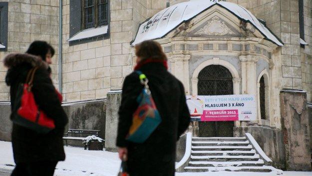Kampaň priaznivcov referenda. FOTO SME - Miro Holý