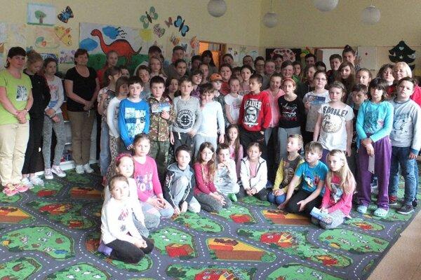 Deti z Ráztočna absolvovali v škole Noc s Andersenom.