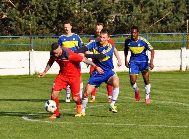 Vráble hrali s Dubnicou bez gólov 0:0.