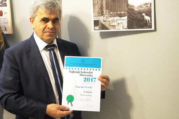 Starosta Albín Maslaňák sdiplomom za tretie miesto.