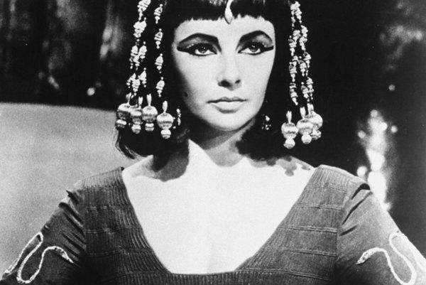 Elizabeth Taylor ako Kleopatra v roku 1963